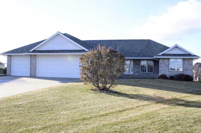 2220 Southerland Circle, Kaukauna, WI 54130 (#50175415) :: Todd Wiese Homeselling System, Inc.