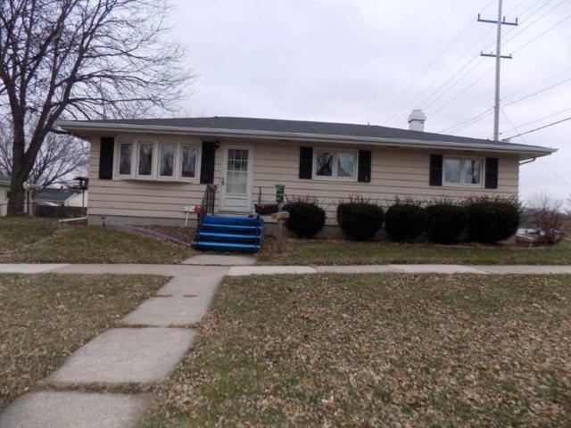 910 Sullivan Street, Kaukauna, WI 54130 (#50175483) :: Todd Wiese Homeselling System, Inc.