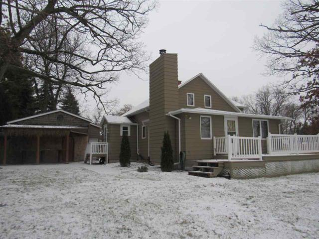2614 W Palisades Drive, Menasha, WI 54952 (#50175521) :: Todd Wiese Homeselling System, Inc.