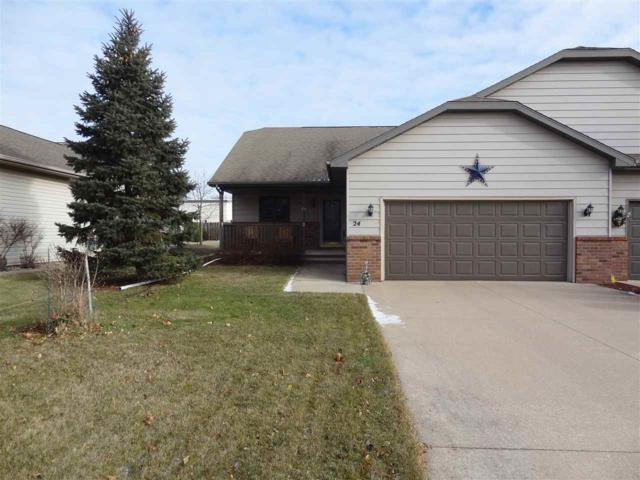 24 Spencer Village Court, Appleton, WI 54914 (#50175522) :: Todd Wiese Homeselling System, Inc.