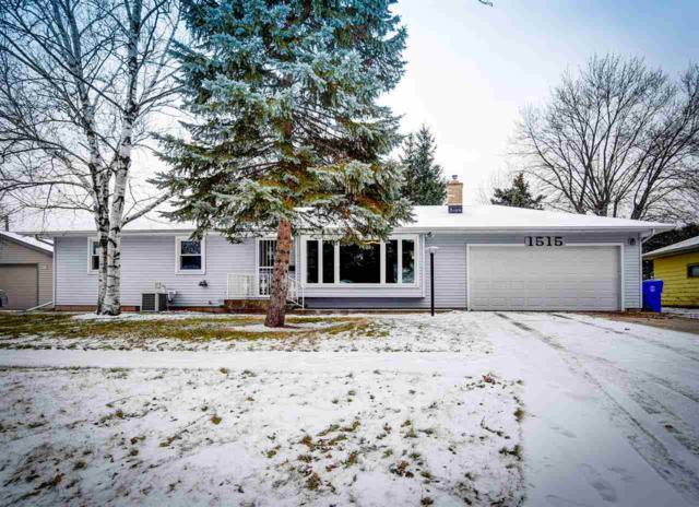 1515 N Gillett Street, Appleton, WI 54914 (#50175546) :: Todd Wiese Homeselling System, Inc.