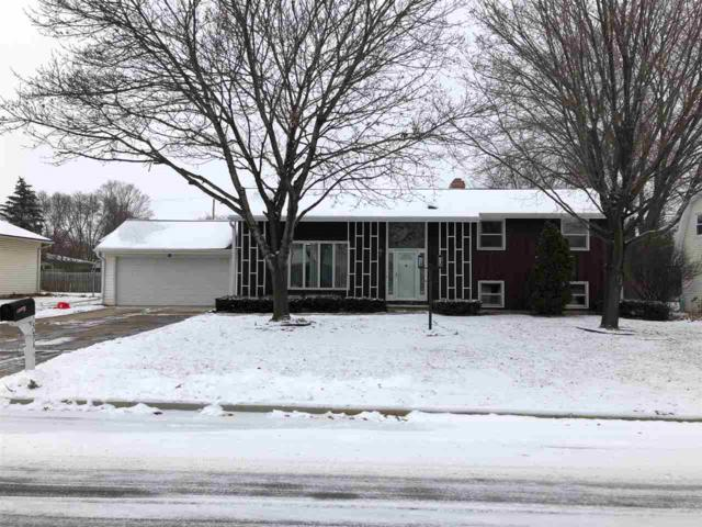 531 Hilltop Drive, Green Bay, WI 54301 (#50175551) :: Todd Wiese Homeselling System, Inc.