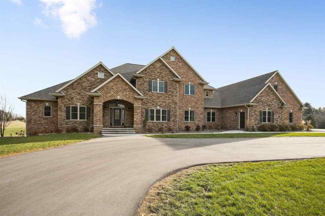 2472 St Pats Drive, Green Bay, WI 54313 (#50175560) :: Todd Wiese Homeselling System, Inc.