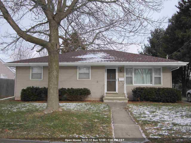 720 E Calumet Street, Appleton, WI 54915 (#50175612) :: Todd Wiese Homeselling System, Inc.