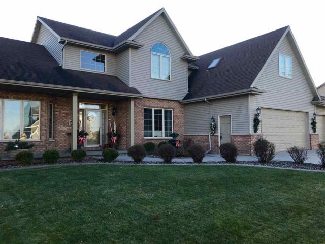 2853 W Warner Estates Drive, Appleton, WI 54913 (#50175619) :: Todd Wiese Homeselling System, Inc.