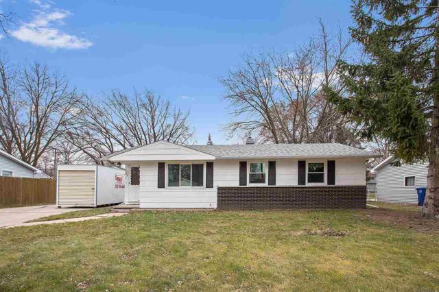 913 Amhart Drive, De Pere, WI 54115 (#50175641) :: Todd Wiese Homeselling System, Inc.