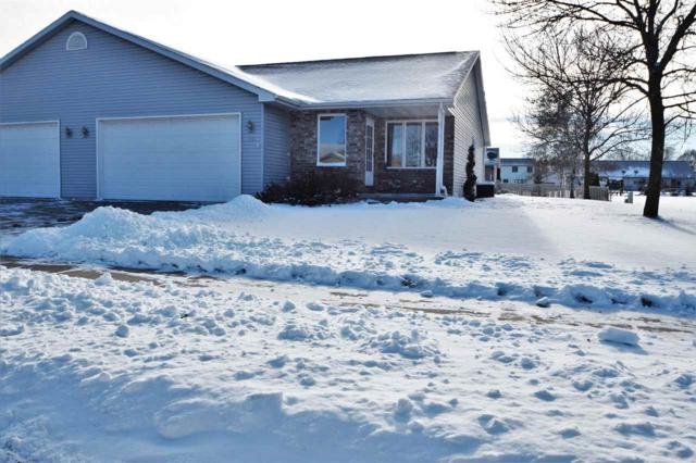 931 Skyview Avenue, Little Chute, WI 54140 (#50175675) :: Todd Wiese Homeselling System, Inc.