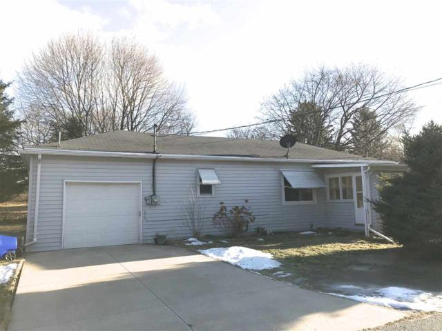 920 Armstrong Lane, Kaukauna, WI 54130 (#50177202) :: Dallaire Realty