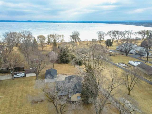 N7449 Lakeshore Drive, Fond Du Lac, WI 54937 (#50177229) :: Dallaire Realty
