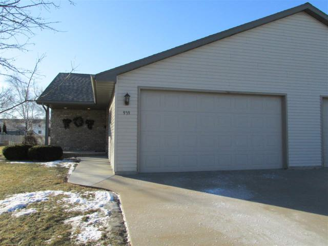 939 Skyview Avenue, Little Chute, WI 54140 (#50177257) :: Dallaire Realty