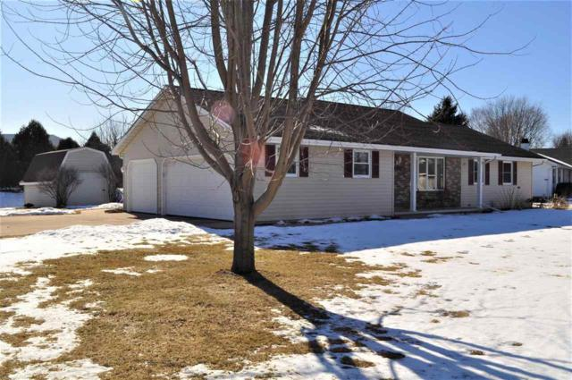 2471 Lance Street, Green Bay, WI 54313 (#50177945) :: Dallaire Realty