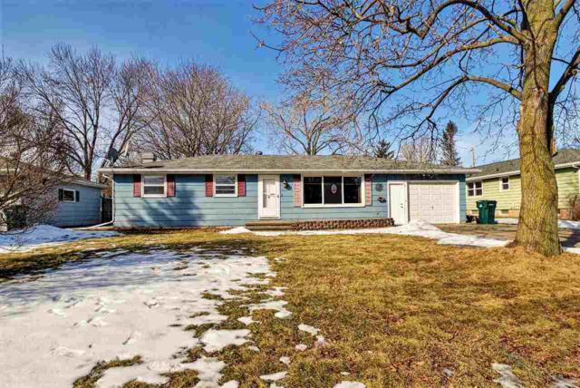 879 Alta Street, Green Bay, WI 54313 (#50178068) :: Dallaire Realty