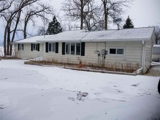 393 Breezy Acres Road, Luxemburg, WI 54217 (#50178146) :: Todd Wiese Homeselling System, Inc.