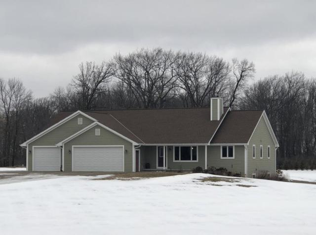 W396 Deer Drive, Pulaski, WI 54162 (#50178218) :: Dallaire Realty