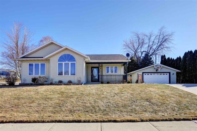 2123 S 13TH Street, Manitowoc, WI 54220 (#50178744) :: Dallaire Realty