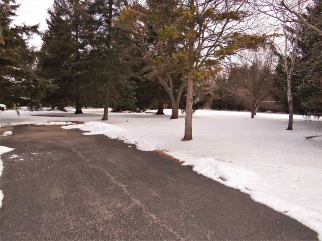 5280 Long Court, Appleton, WI 54914 (#50178954) :: Todd Wiese Homeselling System, Inc.