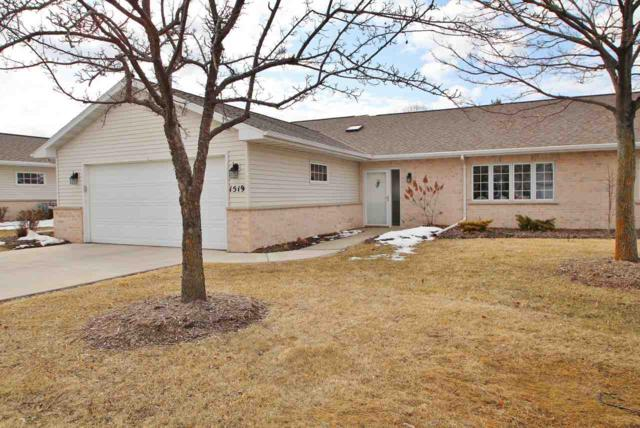 1519 River Pines Drive, Green Bay, WI 54311 (#50179057) :: Todd Wiese Homeselling System, Inc.