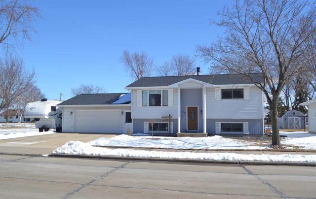 2708 Main Avenue, Kaukauna, WI 54130 (#50179126) :: Todd Wiese Homeselling System, Inc.