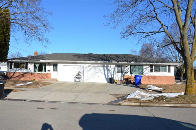10 Woodmere Court, Appleton, WI 54911 (#50179206) :: Todd Wiese Homeselling System, Inc.