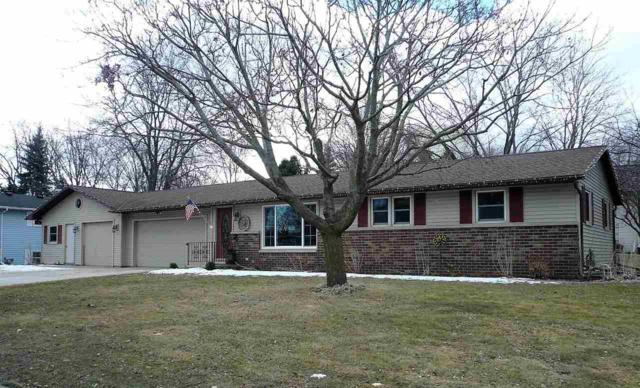 1105 Circle Drive, Green Bay, WI 54313 (#50179247) :: Todd Wiese Homeselling System, Inc.