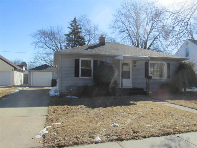 1802 S Adams Street, Appleton, WI 54915 (#50179299) :: Todd Wiese Homeselling System, Inc.