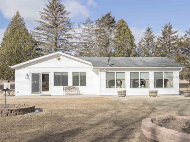 8718 River Trail Drive, Fremont, WI 54940 (#50179310) :: Todd Wiese Homeselling System, Inc.