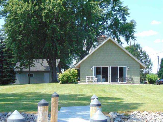 8966 Marion Lane, Fremont, WI 54940 (#50179323) :: Dallaire Realty