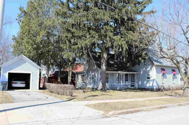 202 W Cook Street, New London, WI 54961 (#50180480) :: Dallaire Realty