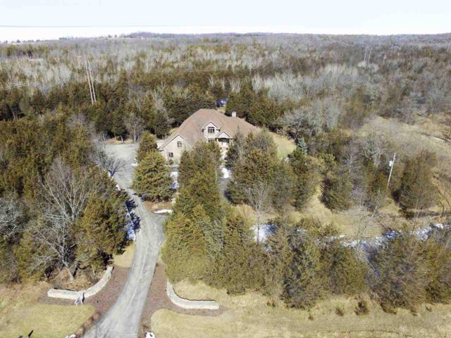 4401 Gibson Lane, Green Bay, WI 54311 (#50180515) :: Dallaire Realty