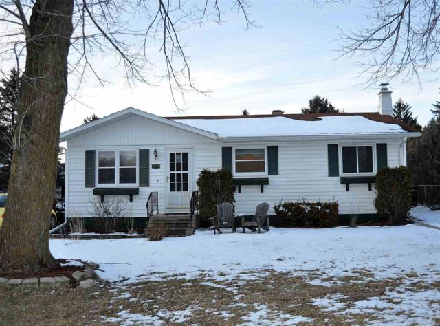1205 W Cameron Street, New London, WI 54961 (#50180600) :: Dallaire Realty