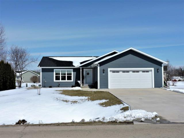 745 E Scott Street, Omro, WI 54963 (#50180697) :: Dallaire Realty