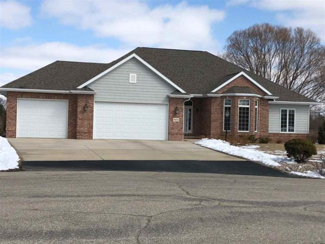 W2520 Clover Downs Court, Appleton, WI 54915 (#50180727) :: Dallaire Realty