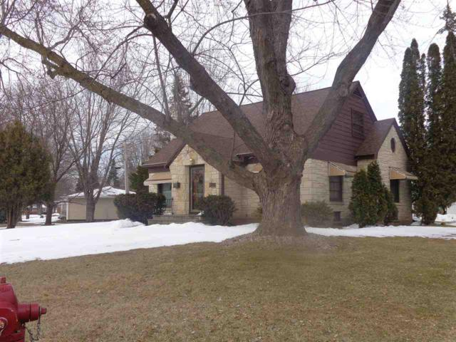 104 Humphrey Court, Shawano, WI 54166 (#50180968) :: Dallaire Realty