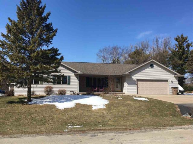 1239 Valley Road, Oshkosh, WI 54904 (#50180977) :: Dallaire Realty