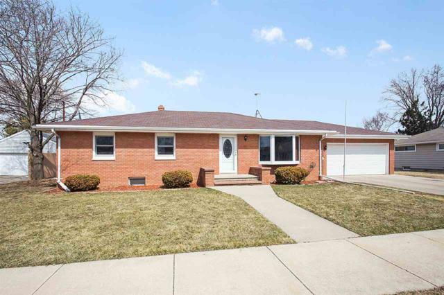 312 E 19TH Street, Kaukauna, WI 54130 (#50181081) :: Dallaire Realty