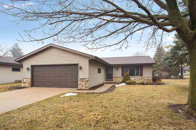 2300 W Applegate Drive, Appleton, WI 54914 (#50181153) :: Dallaire Realty