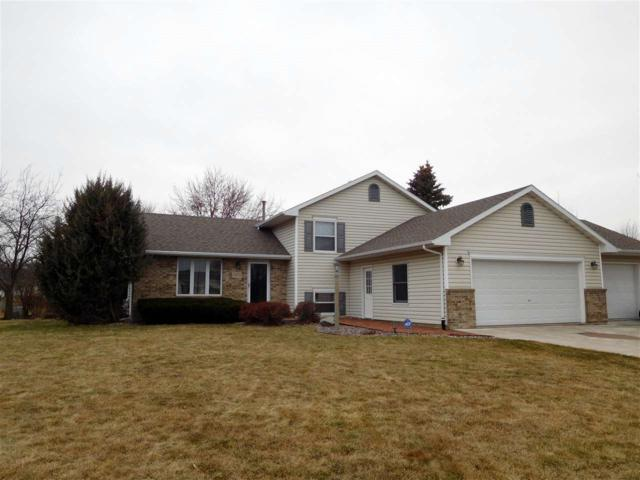 2874 Colleen Court, Oshkosh, WI 54904 (#50181265) :: Dallaire Realty