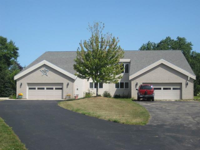758 Prairie Place, Green Lake, WI 54941 (#50181503) :: Todd Wiese Homeselling System, Inc.