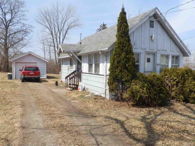 3043 Shorewood Drive, Oshkosh, WI 54901 (#50181519) :: Dallaire Realty