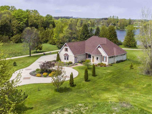 E5410 Golf Drive, Kewaunee, WI 54216 (#50182621) :: Dallaire Realty