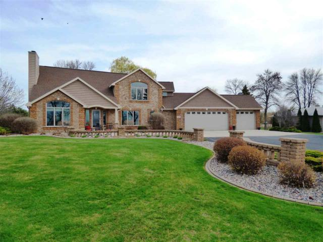 4422 Nicolet Drive, Green Bay, WI 55431 (#50183107) :: Todd Wiese Homeselling System, Inc.