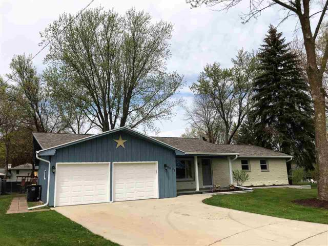 1636 Lindale Lane, Green Bay, WI 54313 (#50183249) :: Symes Realty, LLC