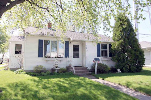955 S Main Street, Seymour, WI 54165 (#50183371) :: Dallaire Realty