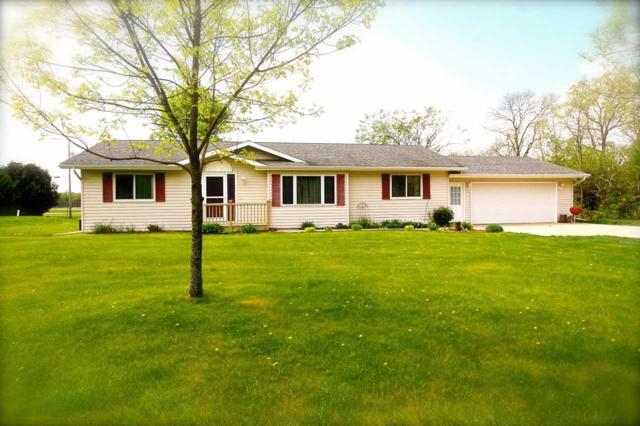 3863 Red Oak Court, Oshkosh, WI 54902 (#50183666) :: Symes Realty, LLC