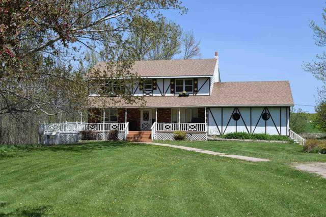 9510 Lovers Lane, Brussels, WI 54204 (#50183745) :: Dallaire Realty