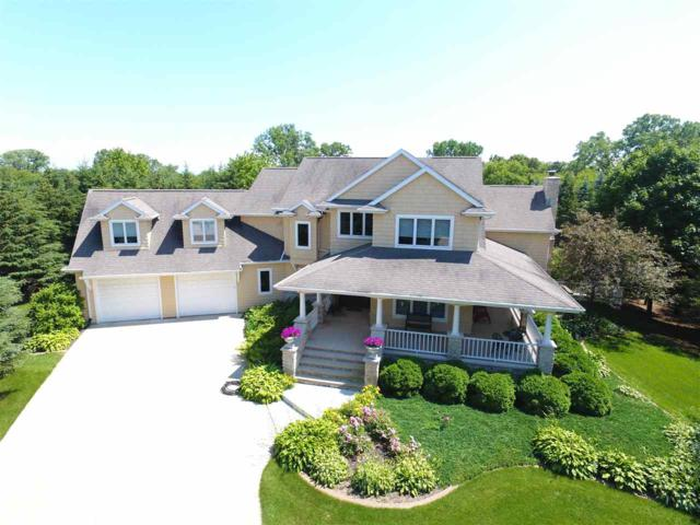 2755 Holiday Court, Neenah, WI 54956 (#50183865) :: Symes Realty, LLC
