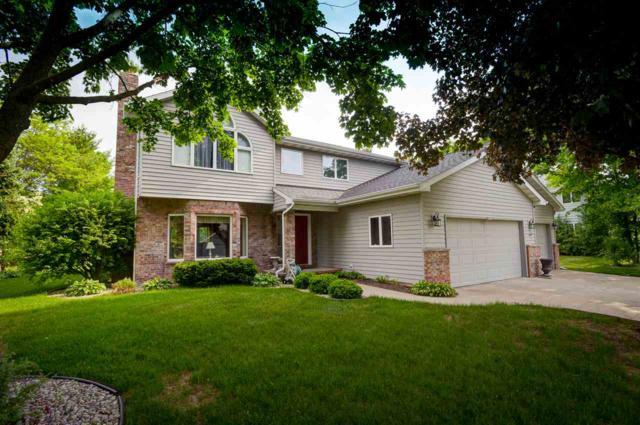 W2835 Oakridge Drive, Appleton, WI 54915 (#50184308) :: Symes Realty, LLC
