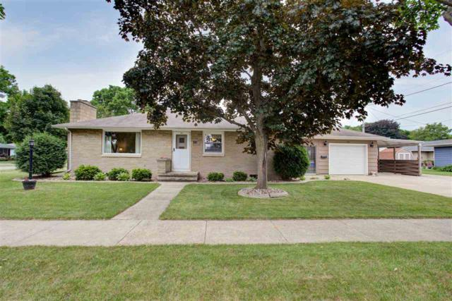 1103 W 3RD Street, Kimberly, WI 54136 (#50184353) :: Dallaire Realty
