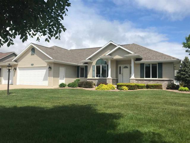 3690 Copper Oak Circle, Green Bay, WI 54313 (#50184443) :: Symes Realty, LLC