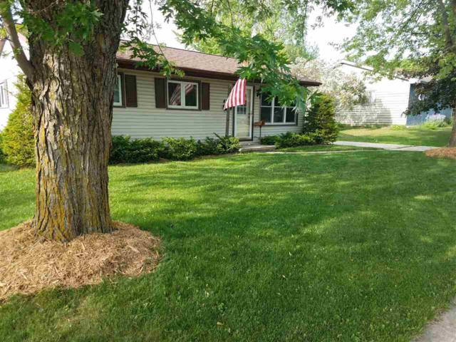426 Roselawn Drive, Brillion, WI 54110 (#50184501) :: Symes Realty, LLC